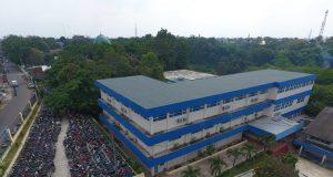 Gedung sekolah berdiri di atas lahan 12 Ha.. Dilengkapi dengan fasilitas yang memadai..