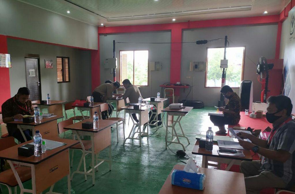 Laboratorium Fiber Optik kerjasama dengan PT Telekom Indonesia